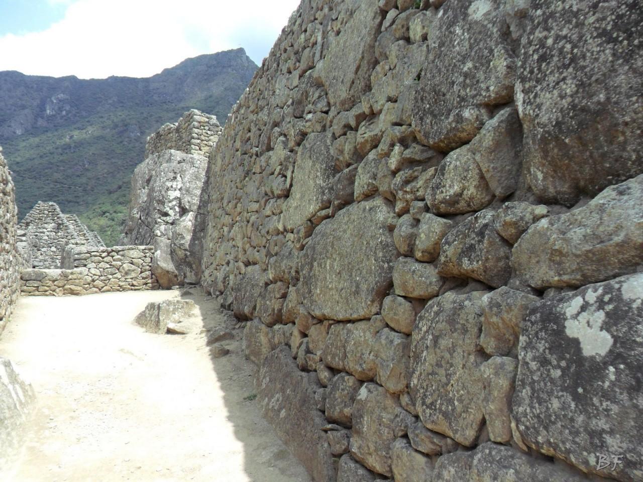 Mura-Poligonali-Incisioni-Altari-Edifici-Rupestri-Megaliti-Machu-Picchu-Aguas-Calientes-Urubamba-Cusco-Perù-133