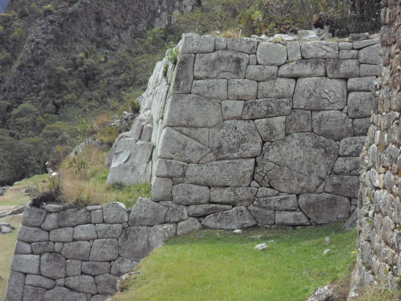 Mura-Poligonali-Incisioni-Altari-Edifici-Rupestri-Megaliti-Machu-Picchu-Aguas-Calientes-Urubamba-Cusco-Perù-136