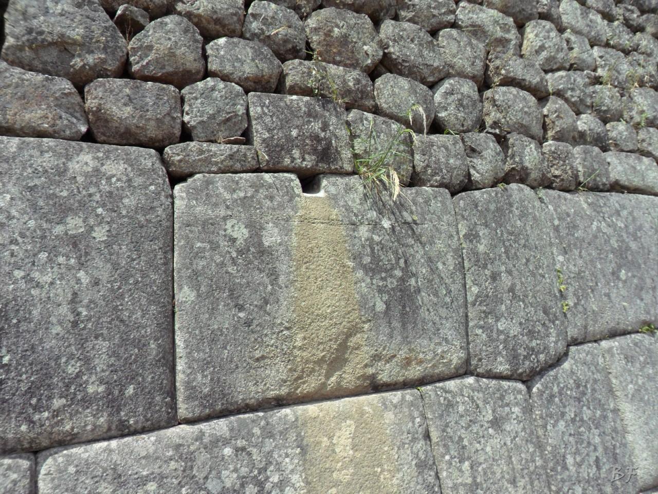 Mura-Poligonali-Incisioni-Altari-Edifici-Rupestri-Megaliti-Machu-Picchu-Aguas-Calientes-Urubamba-Cusco-Perù-143
