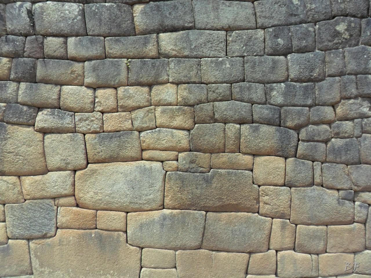 Mura-Poligonali-Incisioni-Altari-Edifici-Rupestri-Megaliti-Machu-Picchu-Aguas-Calientes-Urubamba-Cusco-Perù-145