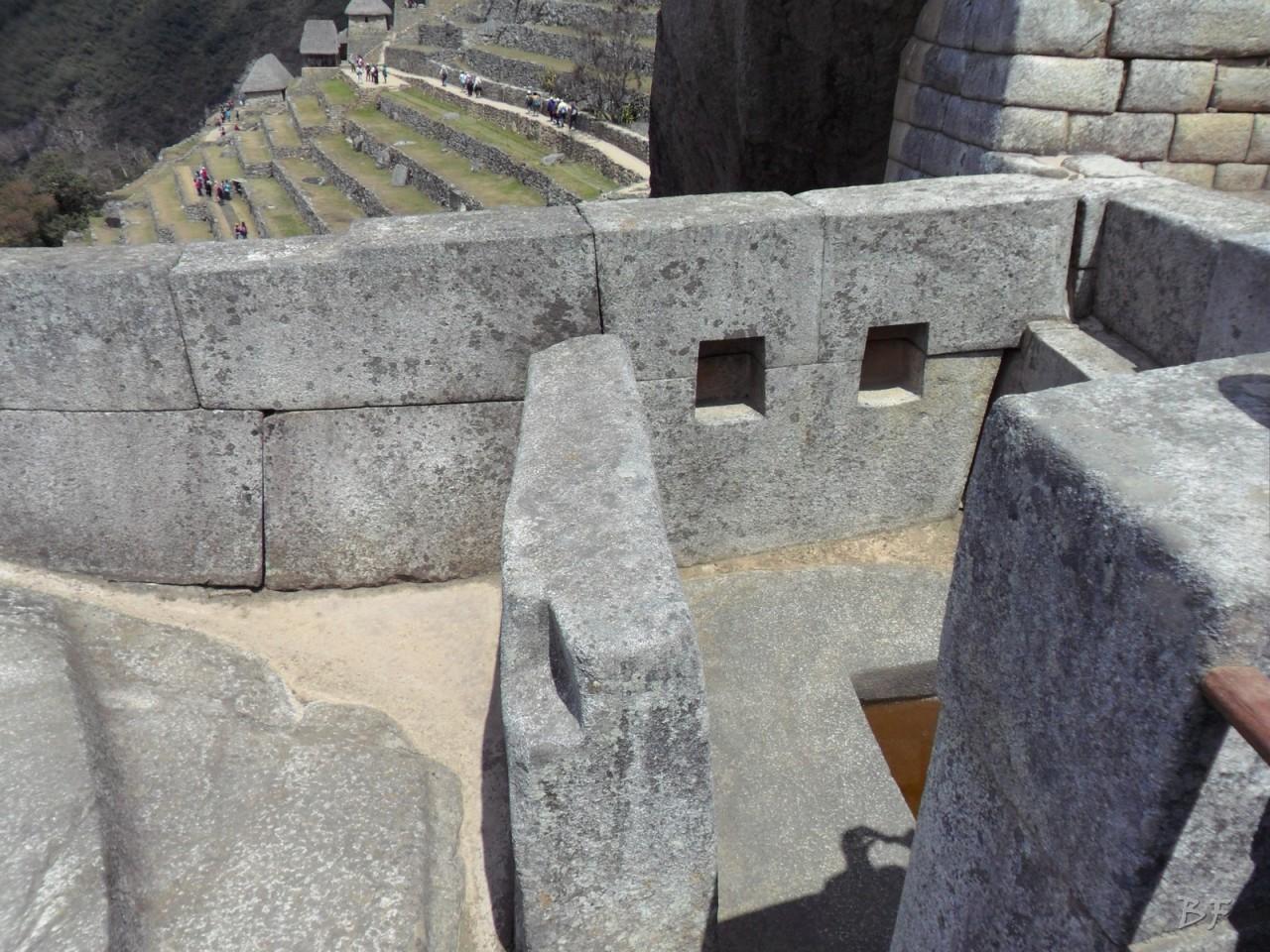 Mura-Poligonali-Incisioni-Altari-Edifici-Rupestri-Megaliti-Machu-Picchu-Aguas-Calientes-Urubamba-Cusco-Perù-149
