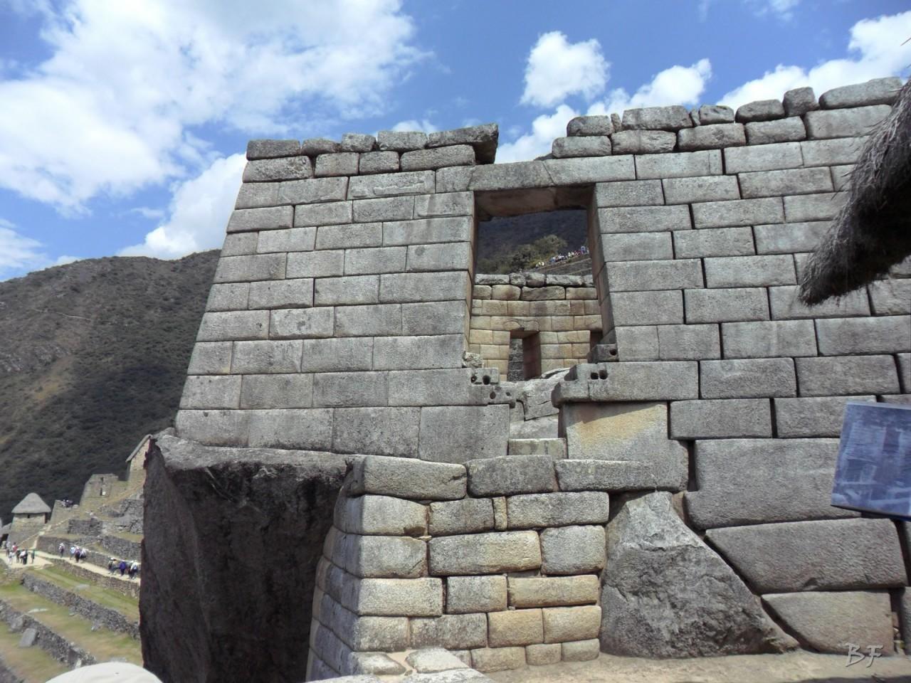 Mura-Poligonali-Incisioni-Altari-Edifici-Rupestri-Megaliti-Machu-Picchu-Aguas-Calientes-Urubamba-Cusco-Perù-150