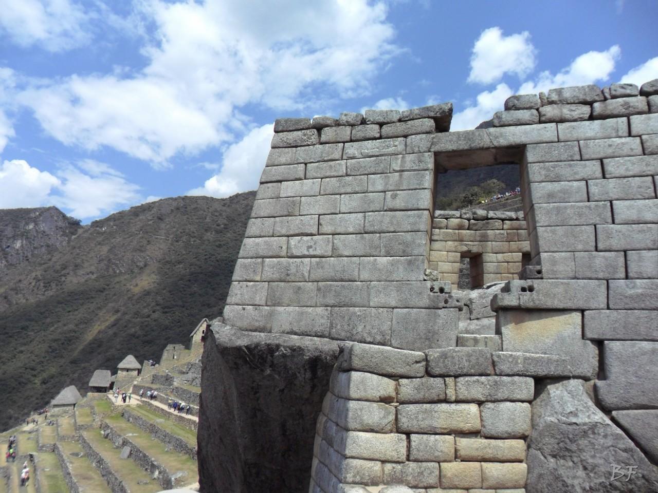 Mura-Poligonali-Incisioni-Altari-Edifici-Rupestri-Megaliti-Machu-Picchu-Aguas-Calientes-Urubamba-Cusco-Perù-151