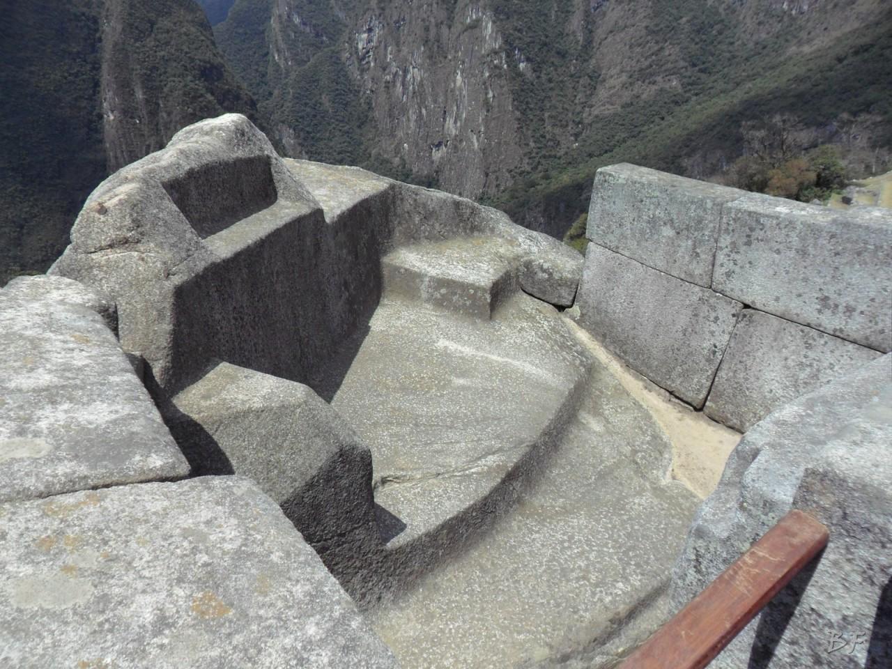 Mura-Poligonali-Incisioni-Altari-Edifici-Rupestri-Megaliti-Machu-Picchu-Aguas-Calientes-Urubamba-Cusco-Perù-152