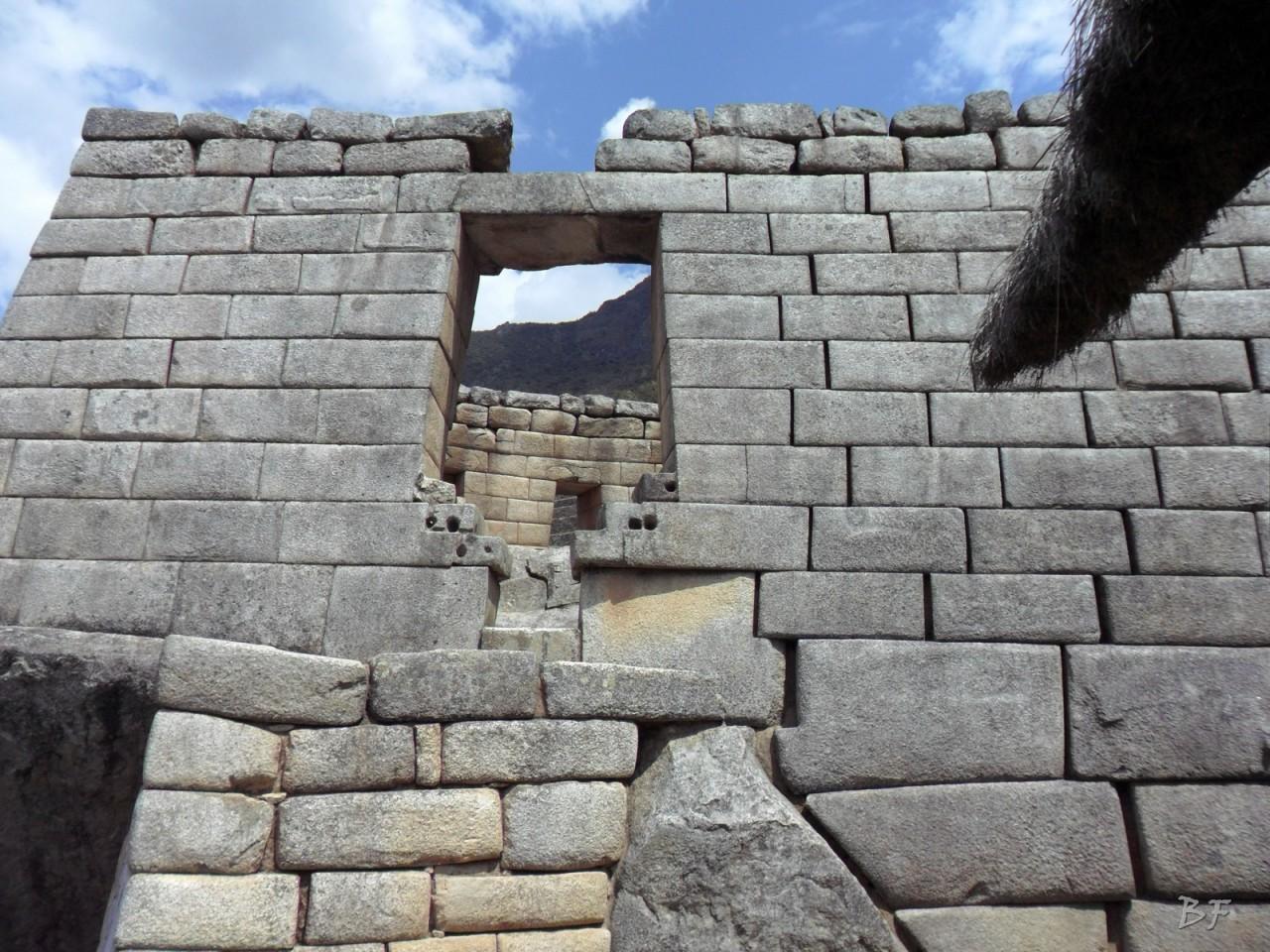 Mura-Poligonali-Incisioni-Altari-Edifici-Rupestri-Megaliti-Machu-Picchu-Aguas-Calientes-Urubamba-Cusco-Perù-154