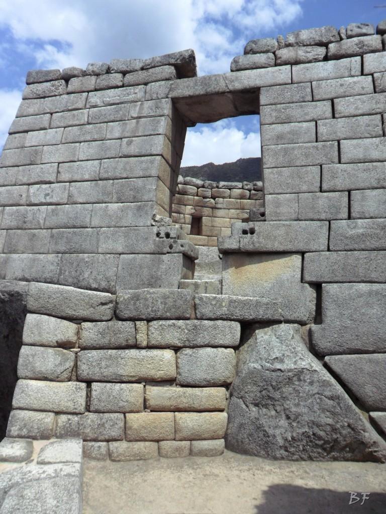 Mura-Poligonali-Incisioni-Altari-Edifici-Rupestri-Megaliti-Machu-Picchu-Aguas-Calientes-Urubamba-Cusco-Perù-155