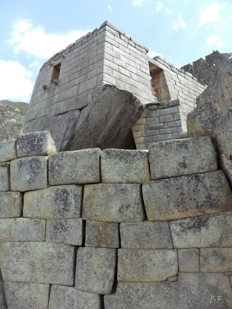 Mura-Poligonali-Incisioni-Altari-Edifici-Rupestri-Megaliti-Machu-Picchu-Aguas-Calientes-Urubamba-Cusco-Perù-158