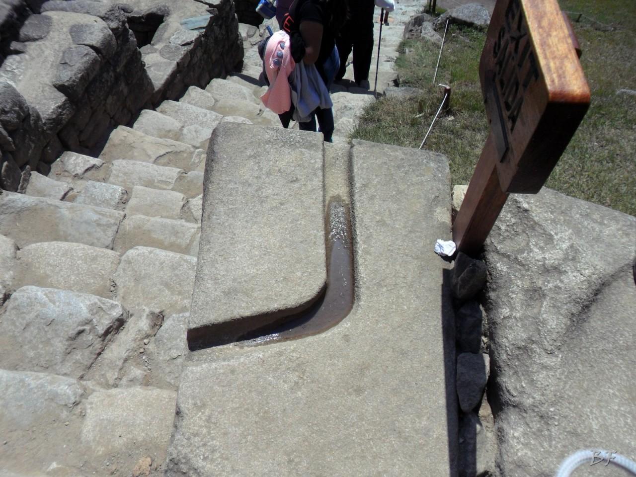 Mura-Poligonali-Incisioni-Altari-Edifici-Rupestri-Megaliti-Machu-Picchu-Aguas-Calientes-Urubamba-Cusco-Perù-16