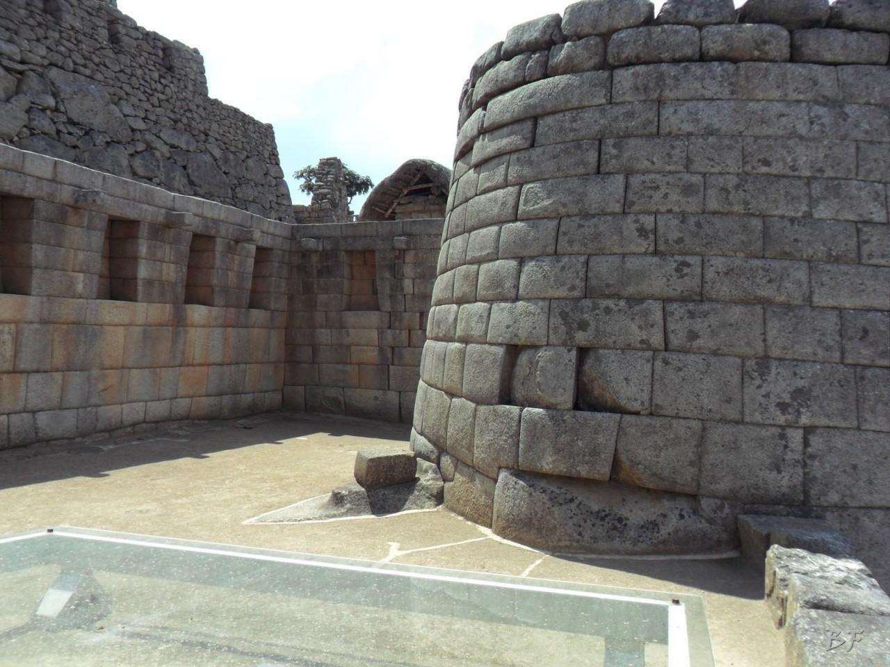 Mura-Poligonali-Incisioni-Altari-Edifici-Rupestri-Megaliti-Machu-Picchu-Aguas-Calientes-Urubamba-Cusco-Perù-167