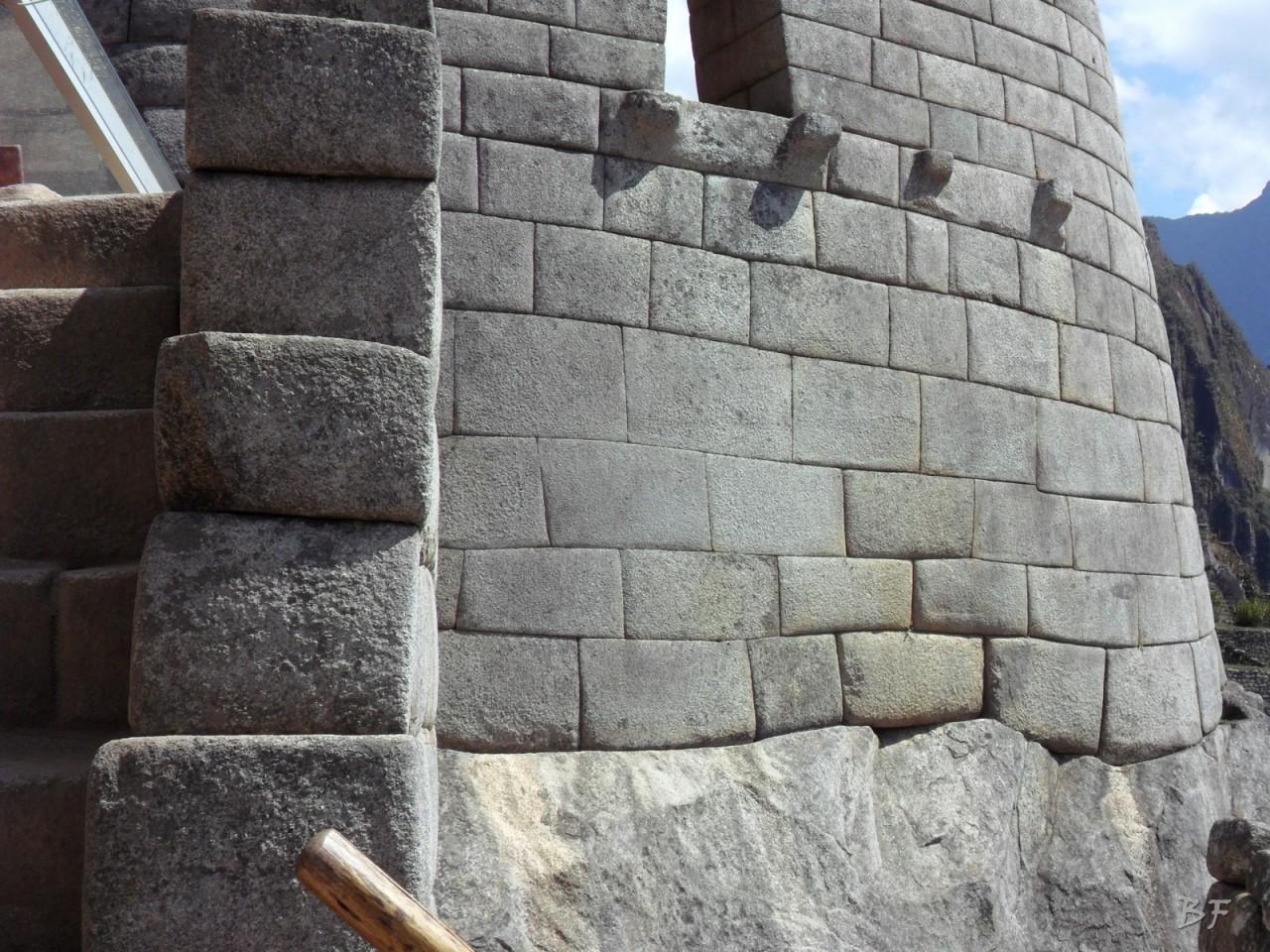 Mura-Poligonali-Incisioni-Altari-Edifici-Rupestri-Megaliti-Machu-Picchu-Aguas-Calientes-Urubamba-Cusco-Perù-26