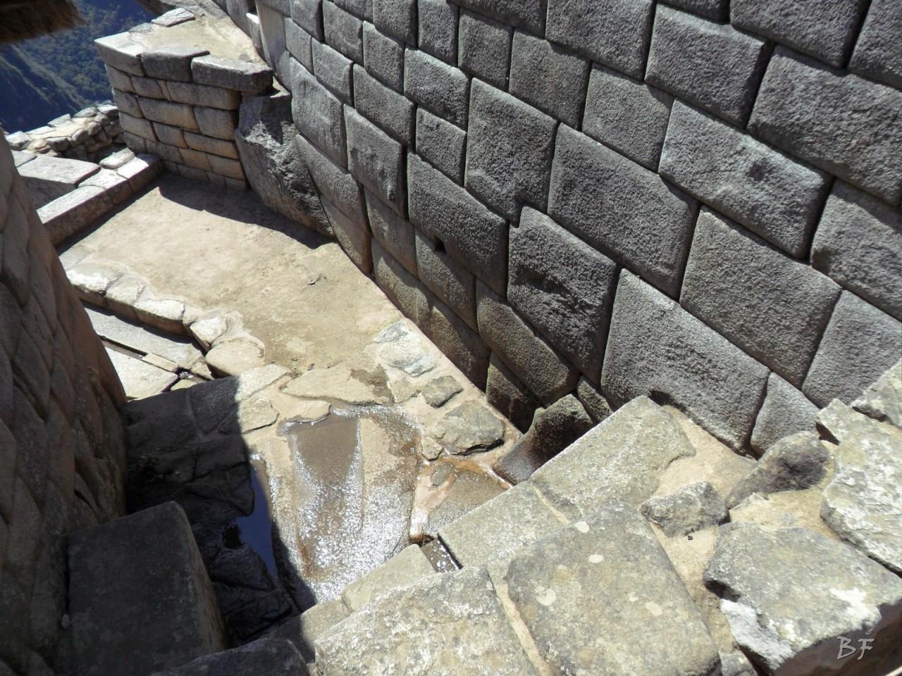 Mura-Poligonali-Incisioni-Altari-Edifici-Rupestri-Megaliti-Machu-Picchu-Aguas-Calientes-Urubamba-Cusco-Perù-30