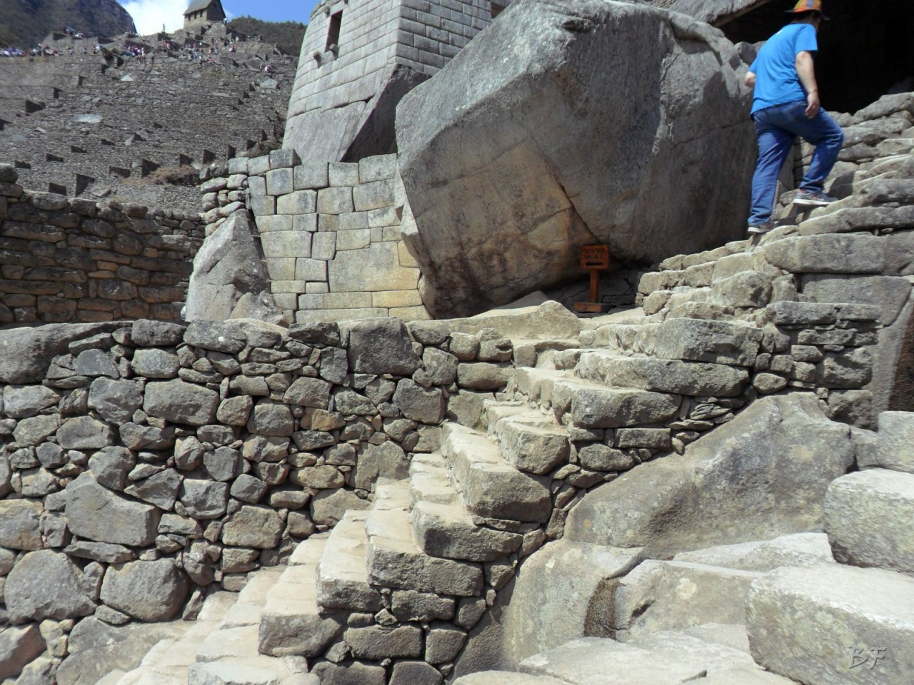 Mura-Poligonali-Incisioni-Altari-Edifici-Rupestri-Megaliti-Machu-Picchu-Aguas-Calientes-Urubamba-Cusco-Perù-39
