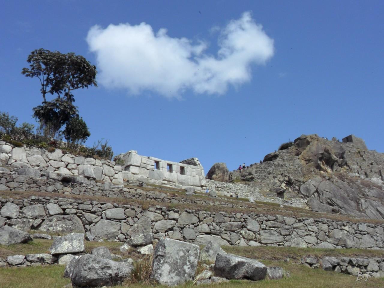 Mura-Poligonali-Incisioni-Altari-Edifici-Rupestri-Megaliti-Machu-Picchu-Aguas-Calientes-Urubamba-Cusco-Perù-41