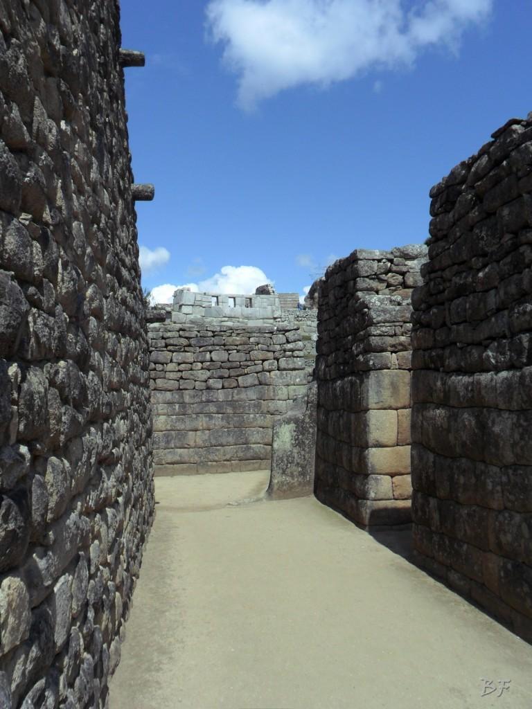 Mura-Poligonali-Incisioni-Altari-Edifici-Rupestri-Megaliti-Machu-Picchu-Aguas-Calientes-Urubamba-Cusco-Perù-43