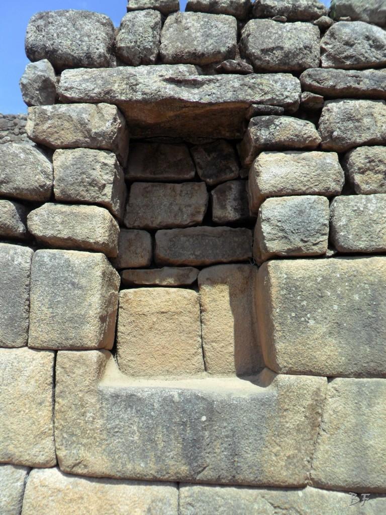Mura-Poligonali-Incisioni-Altari-Edifici-Rupestri-Megaliti-Machu-Picchu-Aguas-Calientes-Urubamba-Cusco-Perù-46