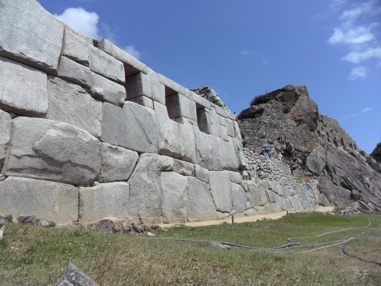 Mura-Poligonali-Incisioni-Altari-Edifici-Rupestri-Megaliti-Machu-Picchu-Aguas-Calientes-Urubamba-Cusco-Perù-52