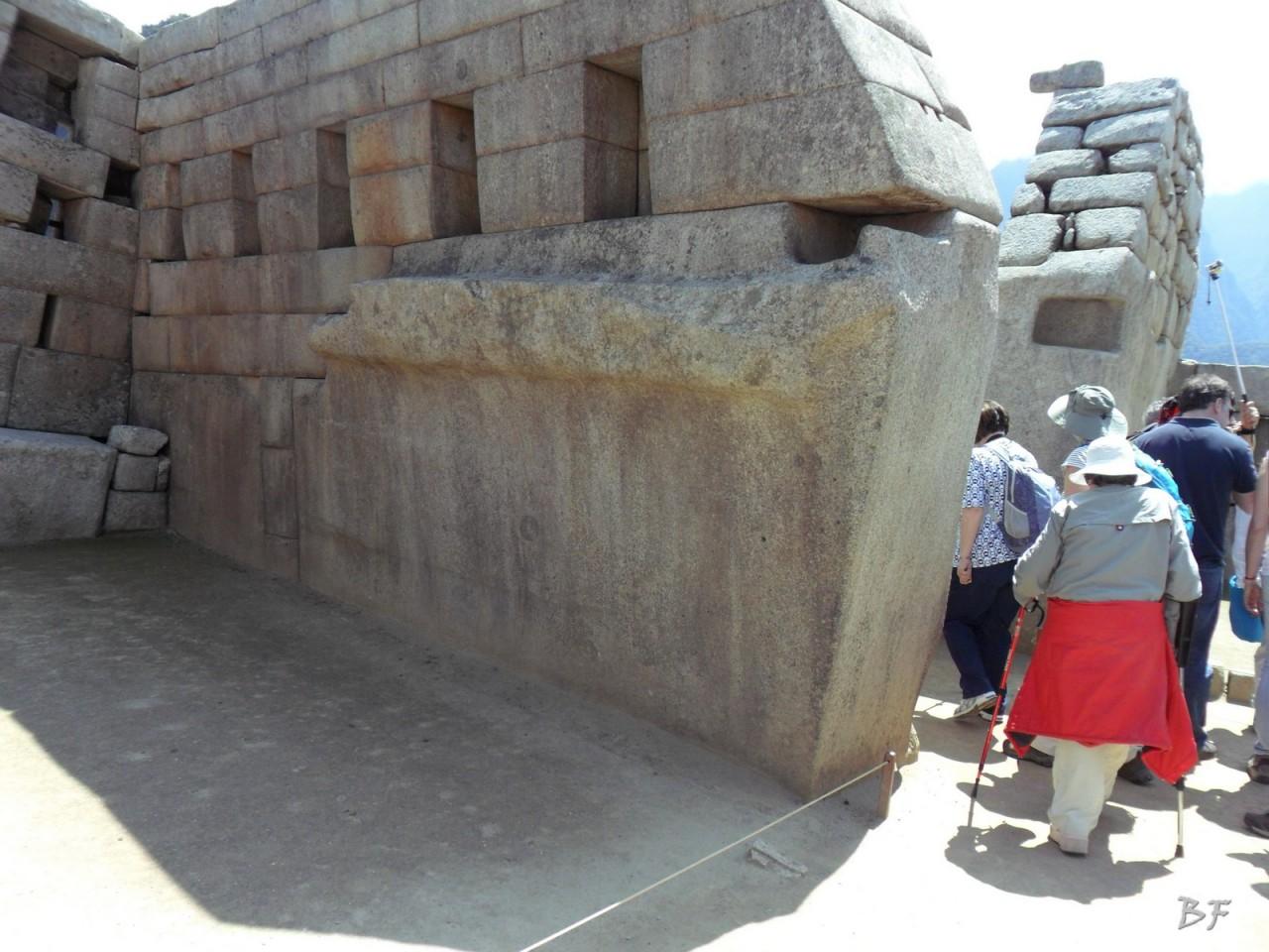 Mura-Poligonali-Incisioni-Altari-Edifici-Rupestri-Megaliti-Machu-Picchu-Aguas-Calientes-Urubamba-Cusco-Perù-54