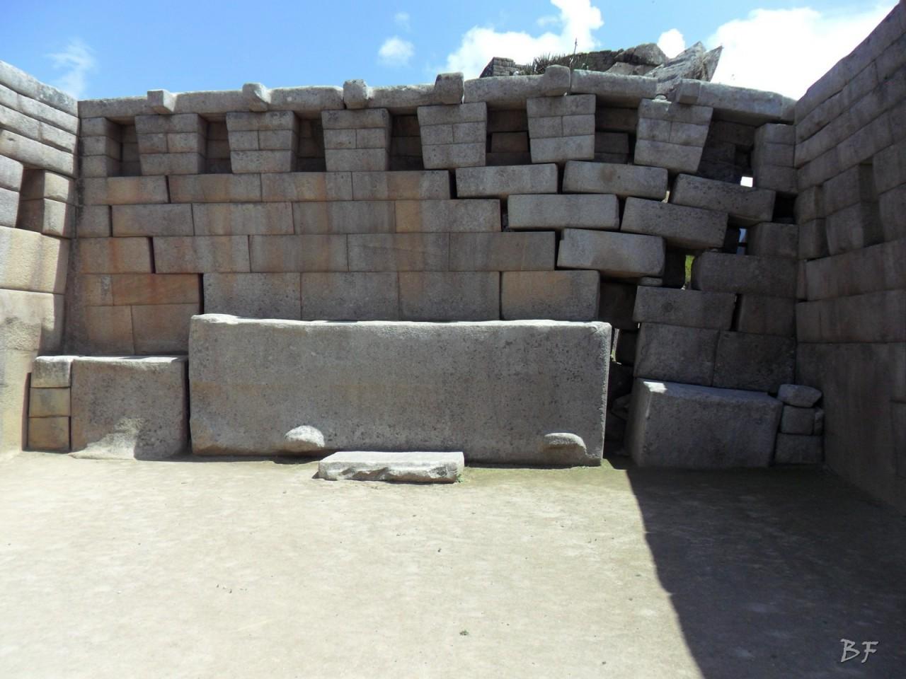 Mura-Poligonali-Incisioni-Altari-Edifici-Rupestri-Megaliti-Machu-Picchu-Aguas-Calientes-Urubamba-Cusco-Perù-55