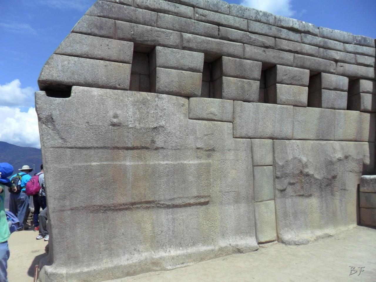Mura-Poligonali-Incisioni-Altari-Edifici-Rupestri-Megaliti-Machu-Picchu-Aguas-Calientes-Urubamba-Cusco-Perù-57