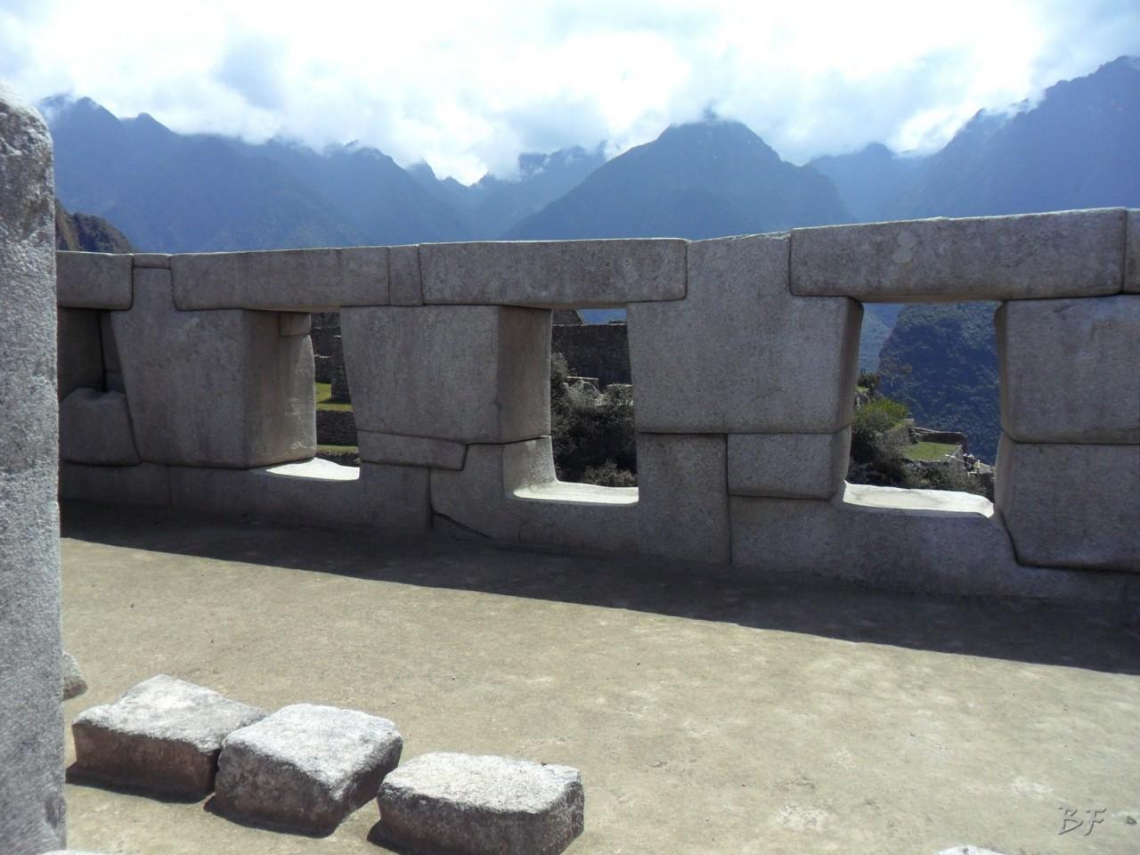 Mura-Poligonali-Incisioni-Altari-Edifici-Rupestri-Megaliti-Machu-Picchu-Aguas-Calientes-Urubamba-Cusco-Perù-58