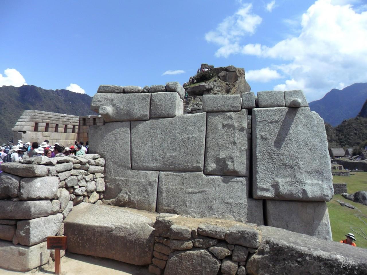 Mura-Poligonali-Incisioni-Altari-Edifici-Rupestri-Megaliti-Machu-Picchu-Aguas-Calientes-Urubamba-Cusco-Perù-62