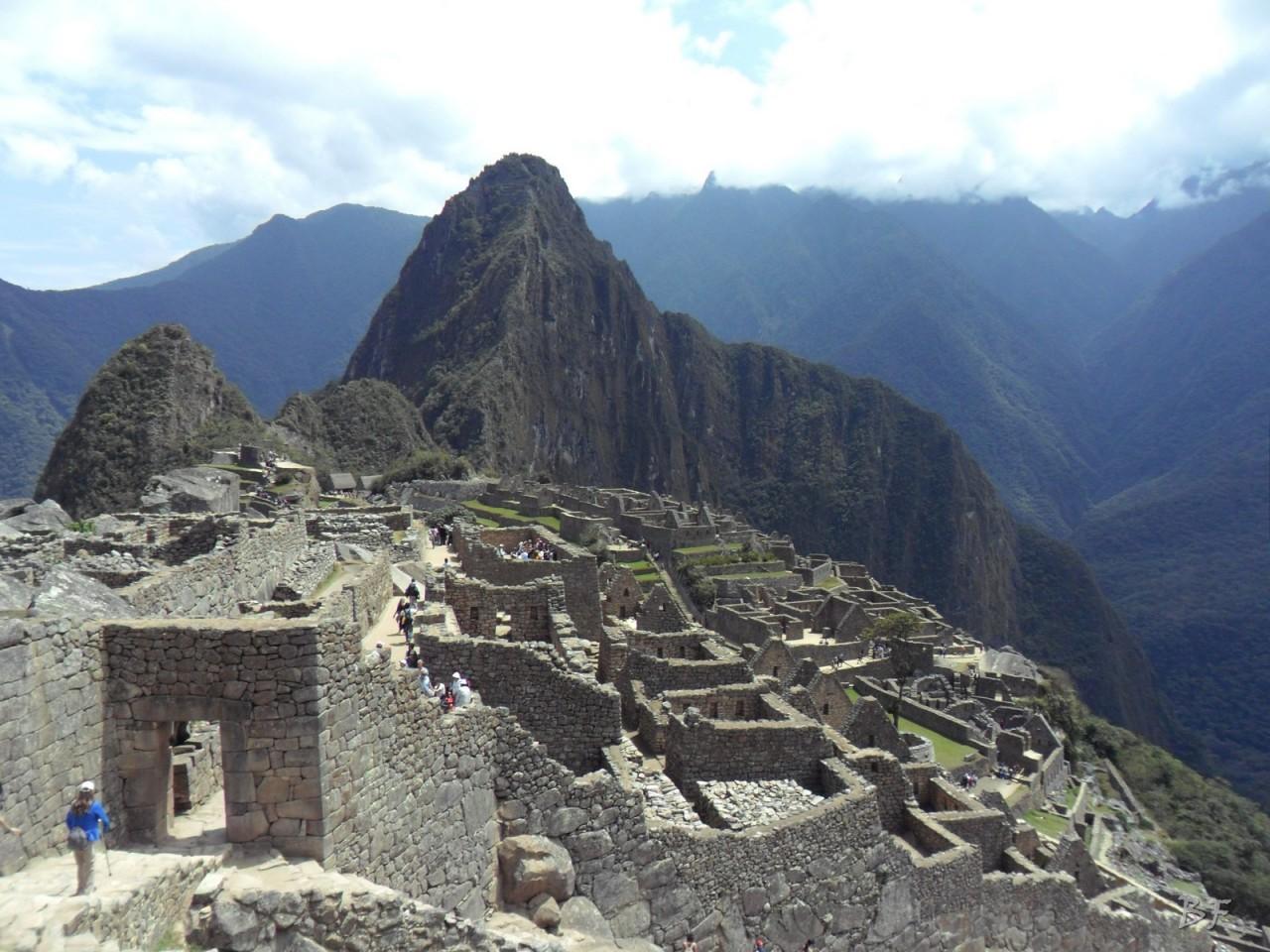 Mura-Poligonali-Incisioni-Altari-Edifici-Rupestri-Megaliti-Machu-Picchu-Aguas-Calientes-Urubamba-Cusco-Perù-64