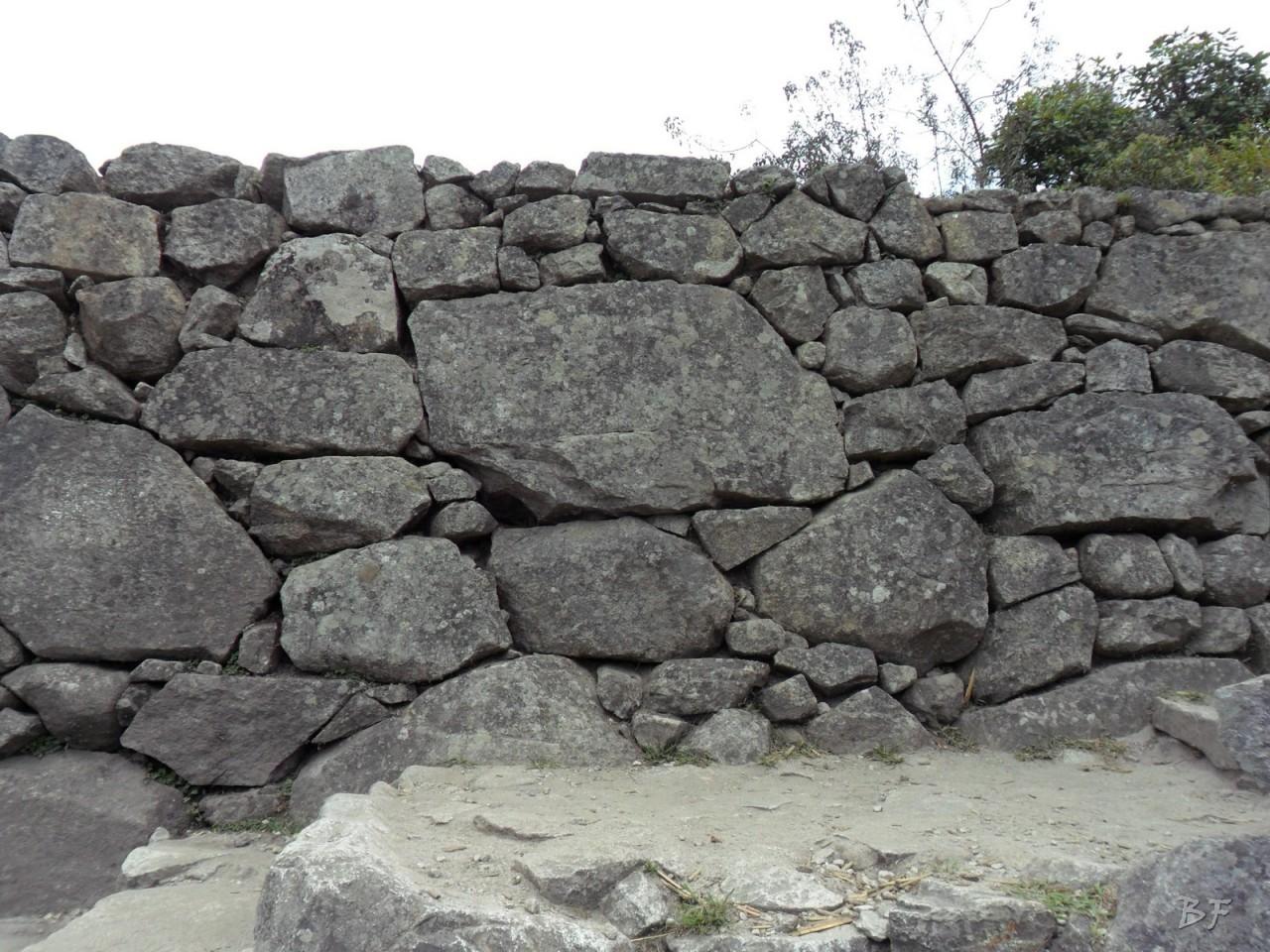 Mura-Poligonali-Incisioni-Altari-Edifici-Rupestri-Megaliti-Machu-Picchu-Aguas-Calientes-Urubamba-Cusco-Perù-73