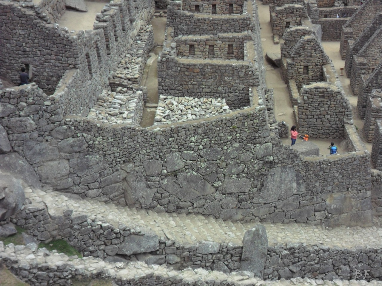 Mura-Poligonali-Incisioni-Altari-Edifici-Rupestri-Megaliti-Machu-Picchu-Aguas-Calientes-Urubamba-Cusco-Perù-75