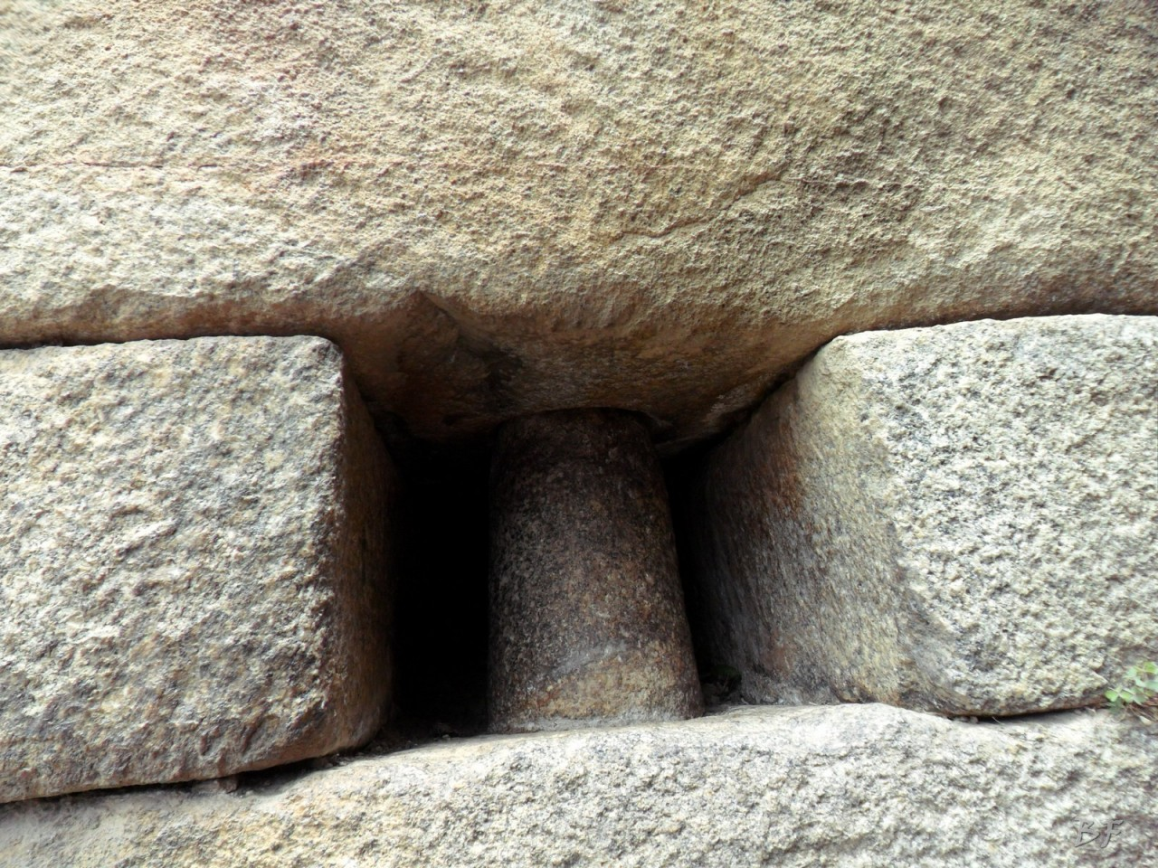 Mura-Poligonali-Incisioni-Altari-Edifici-Rupestri-Megaliti-Machu-Picchu-Aguas-Calientes-Urubamba-Cusco-Perù-78