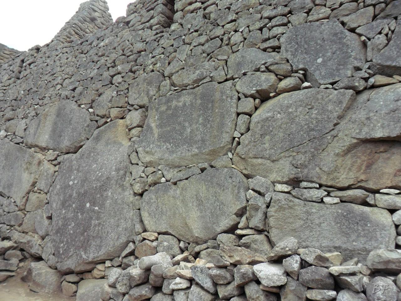Mura-Poligonali-Incisioni-Altari-Edifici-Rupestri-Megaliti-Machu-Picchu-Aguas-Calientes-Urubamba-Cusco-Perù-87
