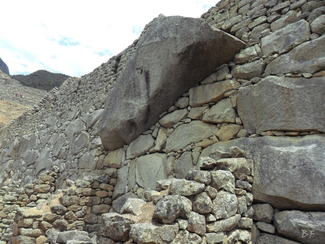 Mura-Poligonali-Incisioni-Altari-Edifici-Rupestri-Megaliti-Machu-Picchu-Aguas-Calientes-Urubamba-Cusco-Perù-94