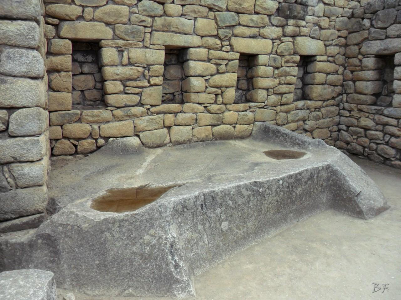 Mura-Poligonali-Incisioni-Altari-Edifici-Rupestri-Megaliti-Machu-Picchu-Aguas-Calientes-Urubamba-Cusco-Perù-98