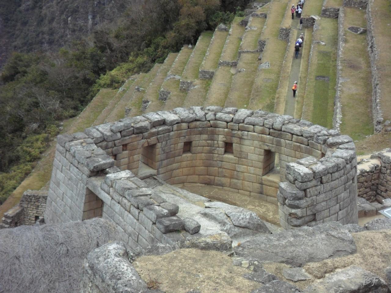 Mura-Poligonali-Incisioni-Altari-Edifici-Rupestri-Megaliti-Machu-Picchu-Aguas-Calientes-Urubamba-Cusco-Perù-99