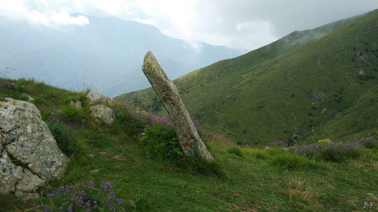 Molini-di-Triora-Menhir-Altare-Coppelle-Liguria-Italia-17