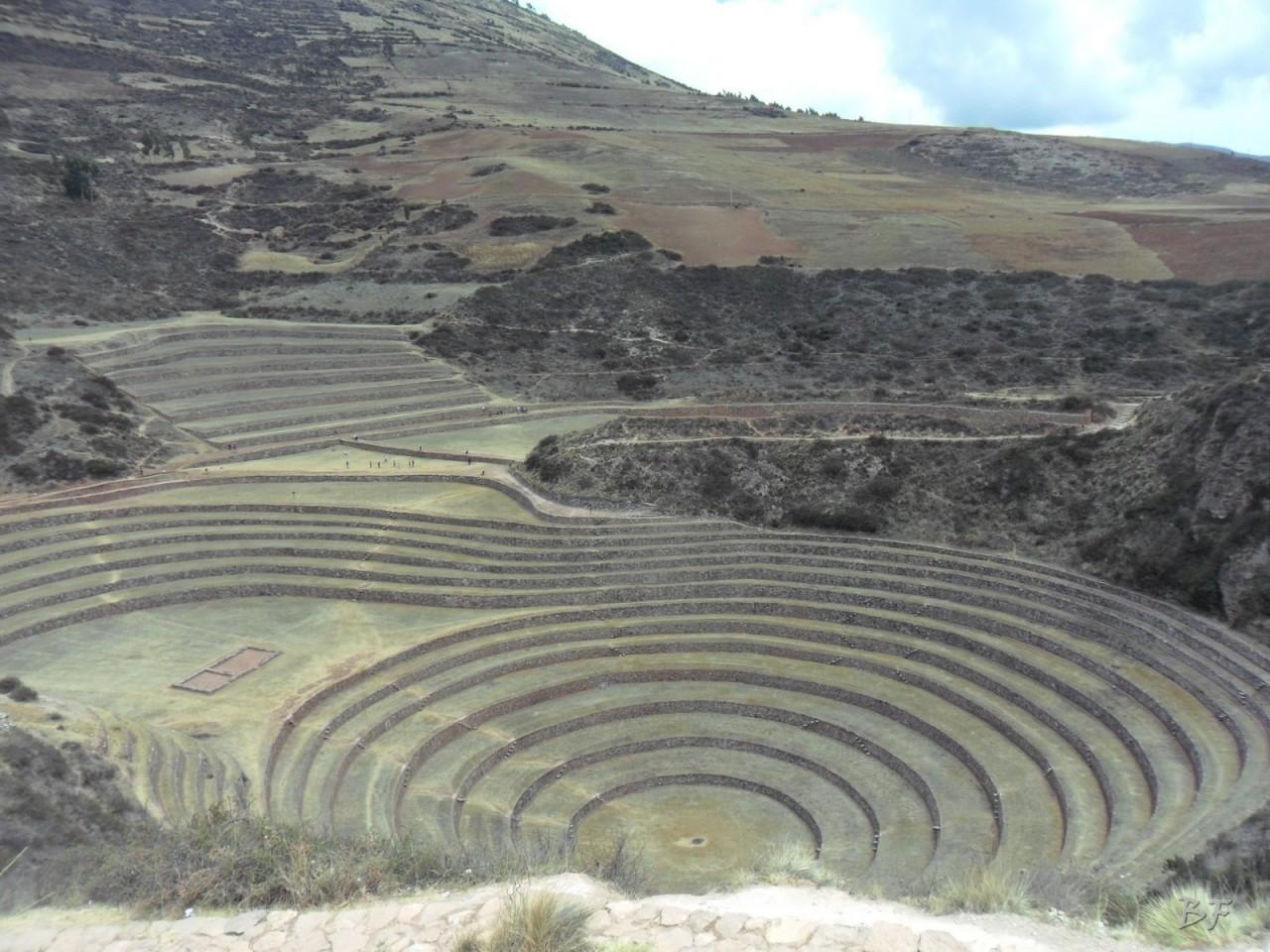 Terrazze-Circolari-Megaliti-Moray-Saline-Maras-Cusco-Perù-22