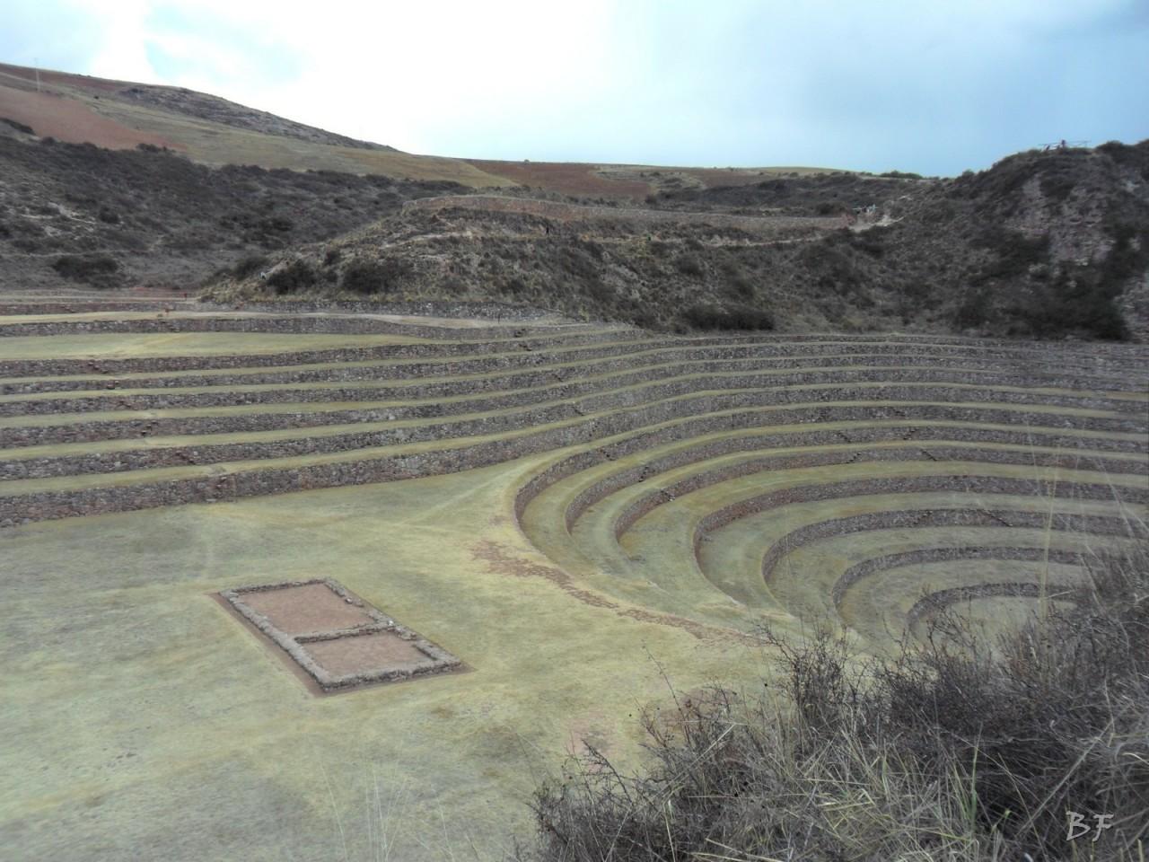 Terrazze-Circolari-Megaliti-Moray-Saline-Maras-Cusco-Perù-3