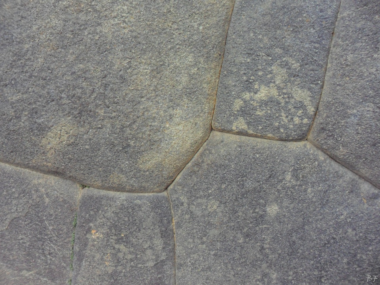 Ollantaytambo-Mura-Megalitiche-Peru-25