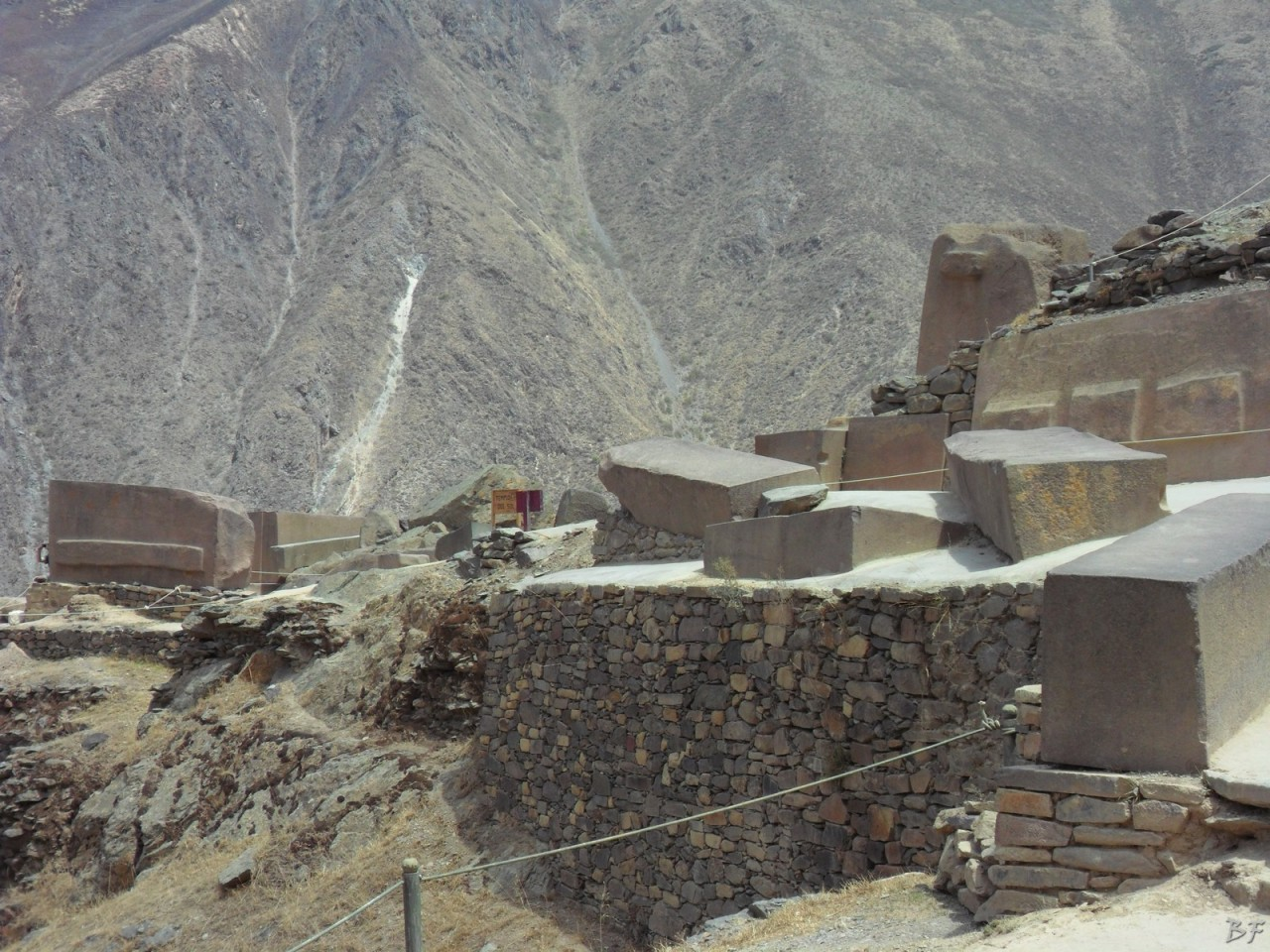 Ollantaytambo-Mura-Megalitiche-Peru-75