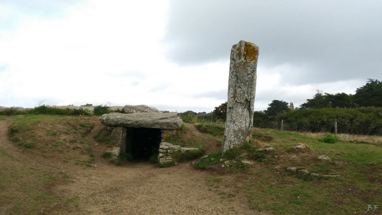 Dolmen-des-Pierres-Plates-Menhir-Bretagna-Francia-4