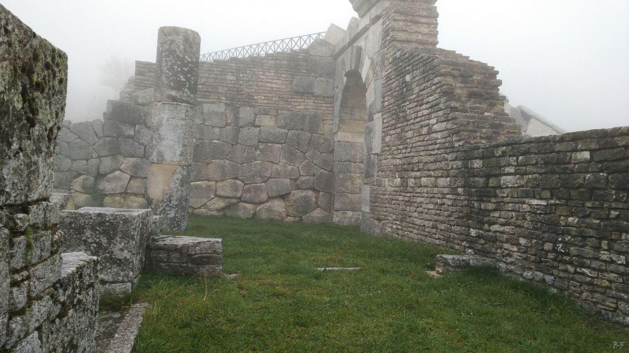 Pietrabbondante-Mura-Poligonali-Megalitiche-Isernia-Molise-Italia-22