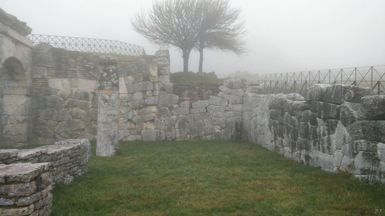 Pietrabbondante-Mura-Poligonali-Megalitiche-Isernia-Molise-Italia-28