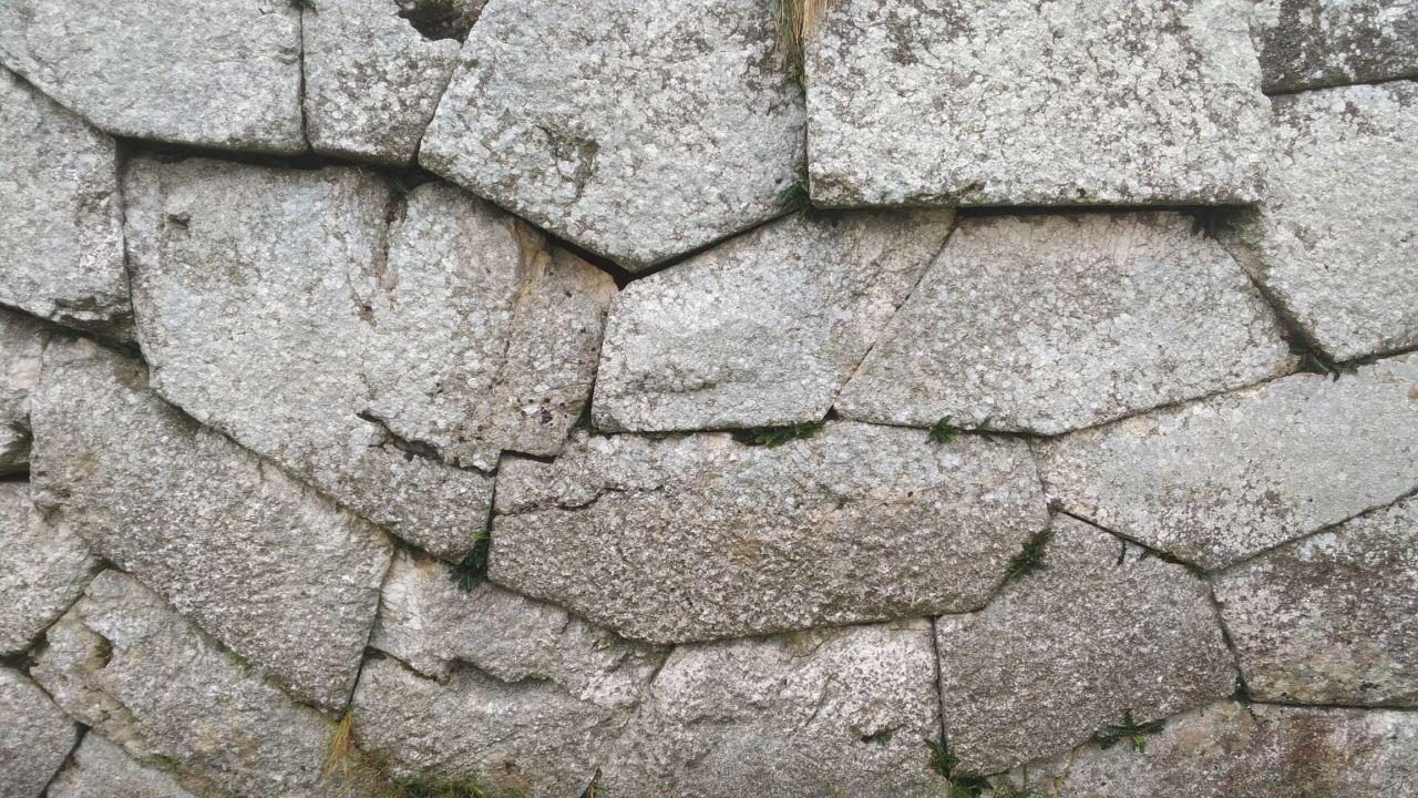 Pietrabbondante-Mura-Poligonali-Megalitiche-Isernia-Molise-Italia-31