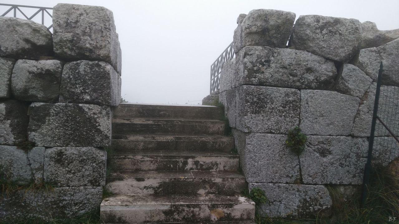 Pietrabbondante-Mura-Poligonali-Megalitiche-Isernia-Molise-Italia-35