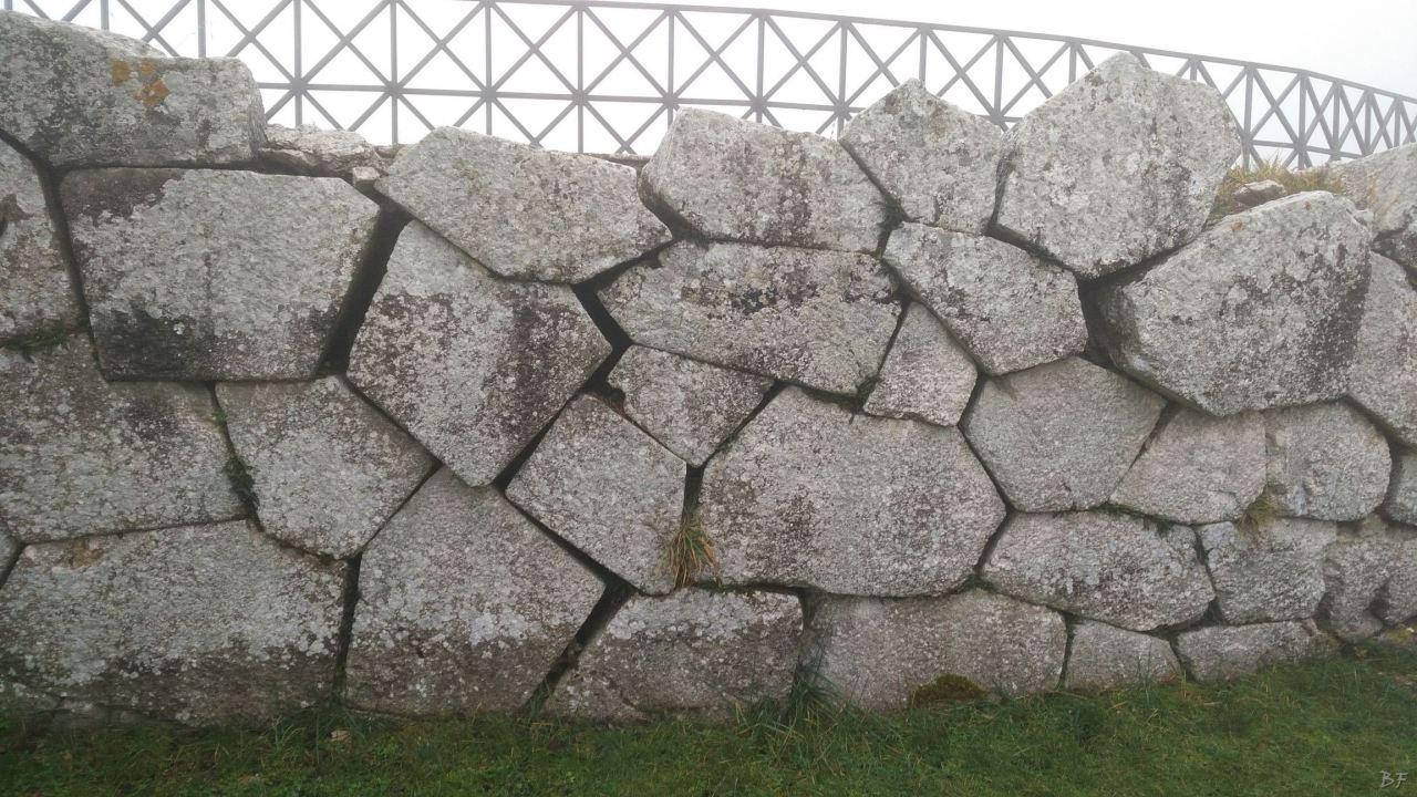 Pietrabbondante-Mura-Poligonali-Megalitiche-Isernia-Molise-Italia-38