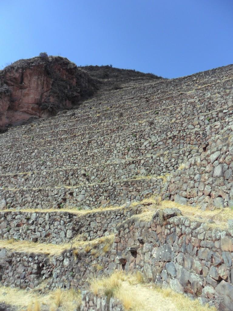 Mura-Poligonali-Megaliti-Altari-Rupestri-Pisac-Cusco-Perù-1