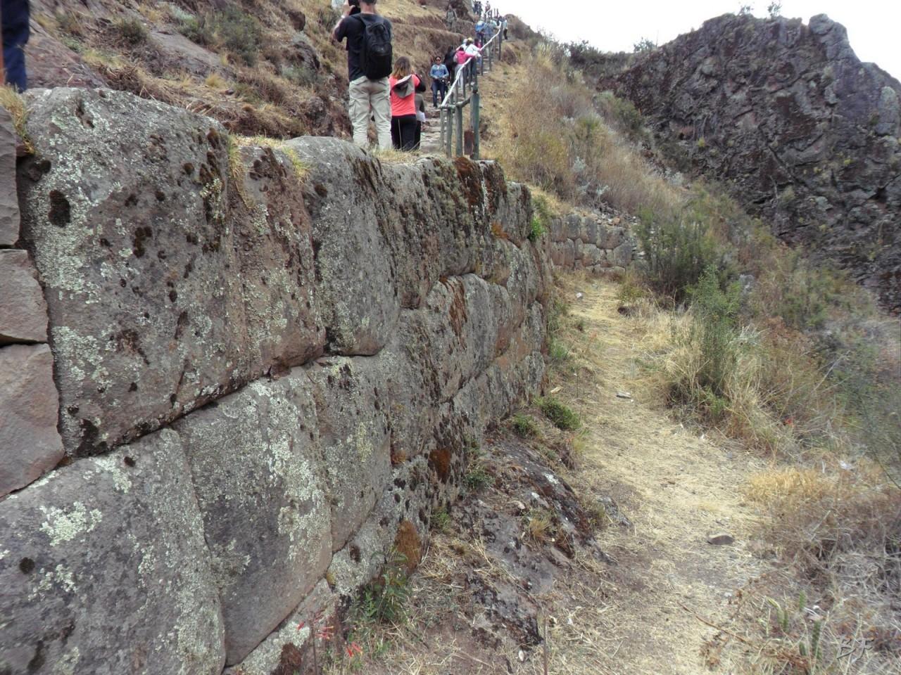 Mura-Poligonali-Megaliti-Altari-Rupestri-Pisac-Cusco-Perù-12