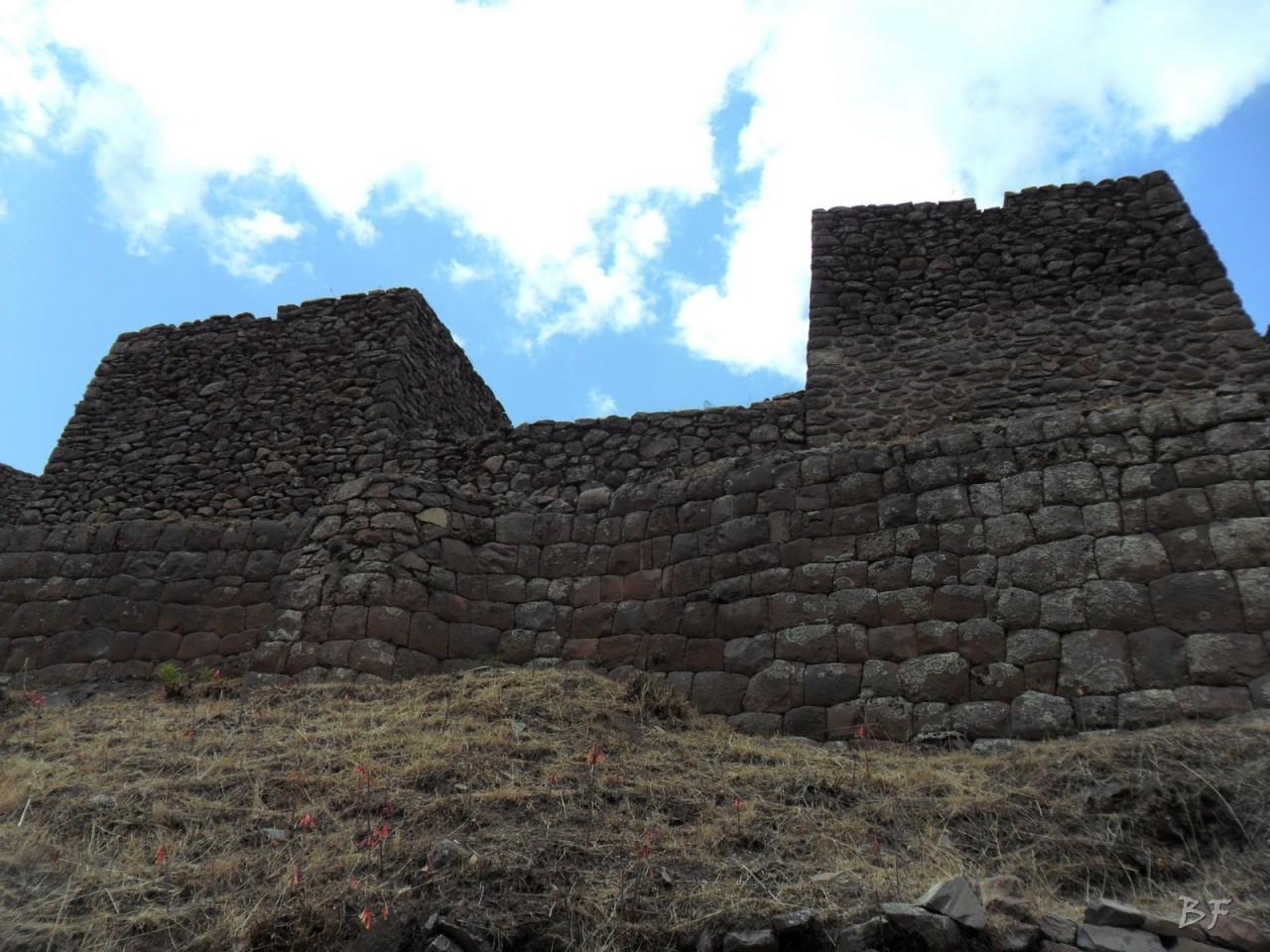 Mura-Poligonali-Megaliti-Altari-Rupestri-Pisac-Cusco-Perù-14