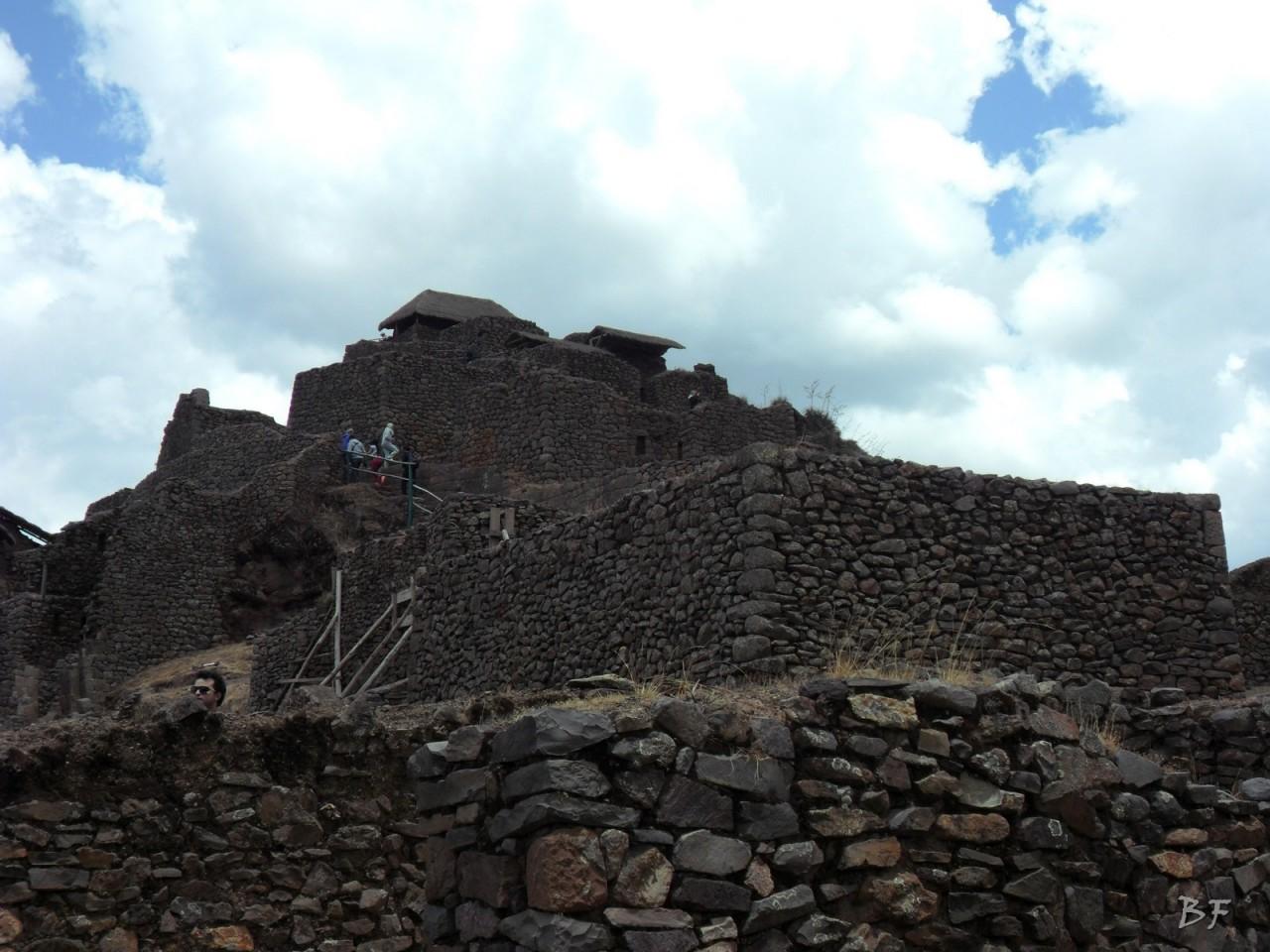 Mura-Poligonali-Megaliti-Altari-Rupestri-Pisac-Cusco-Perù-15