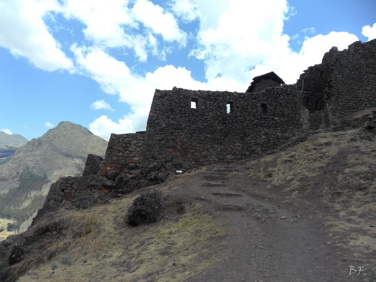 Mura-Poligonali-Megaliti-Altari-Rupestri-Pisac-Cusco-Perù-21