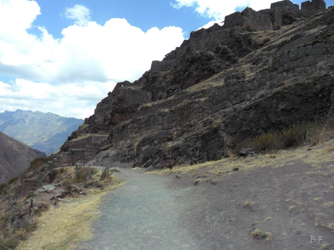 Mura-Poligonali-Megaliti-Altari-Rupestri-Pisac-Cusco-Perù-23